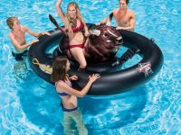 Toro hinchable para playa o piscina
